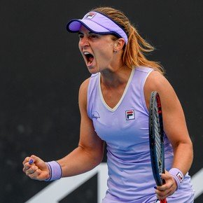 Nadia Podorowska steadily advancing in Melbourne: defeated Minin and qualified for the round of 16