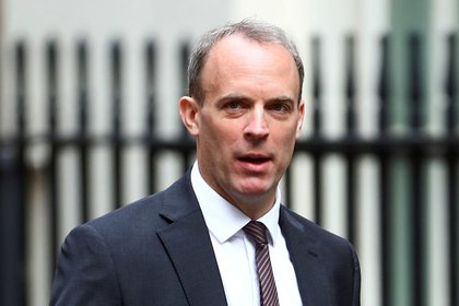 British Foreign Secretary Dominic Raab arrives at Downing Street for a cabinet meeting in London on July 14, 2020. REUTERS / Hannah McKay