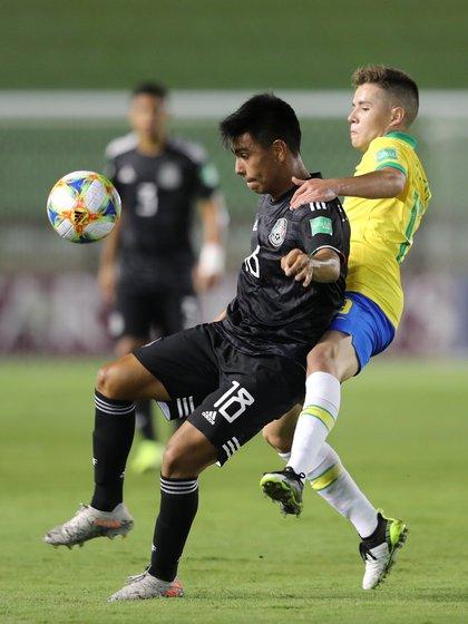 Efrine Alvarez, with the national U-17 national team in 2019 (Photo: Sergio Morales / Reuters)