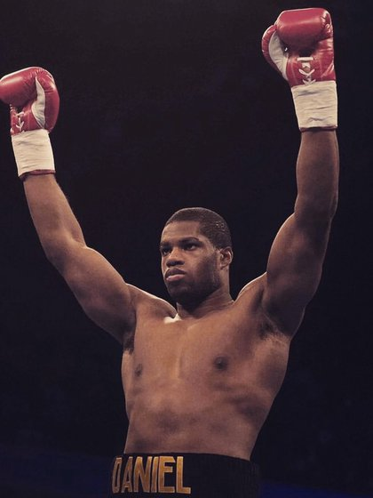 Daniel Dubois suffered a similar injury in November 2020, despite being heavily criticized by Saunders (Photo: Twitter @ DynamiteDubois)