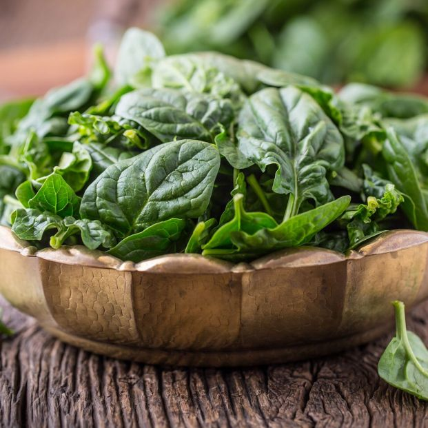 Vegetables for dinner: a bowl of spinach (bigstockphoto)
