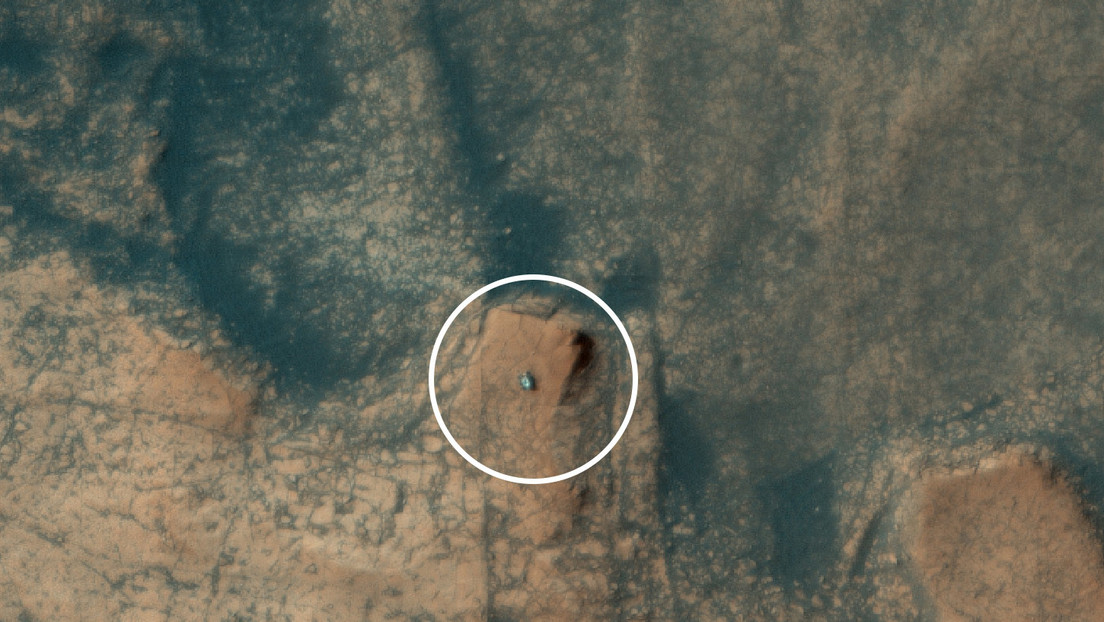 NASA's Curiosity probe was captured from space as it climbed up a rock formation on the surface of Mars